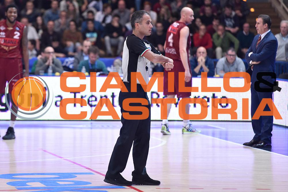 DESCRIZIONE : Campionato 2014/15 Serie A Beko Dolomiti Energia Aquila Trento - Umana Reyer Venezia<br /> GIOCATORE : Saverio Lanzarini<br /> CATEGORIA : Arbitro Referee<br /> SQUADRA : AIAP<br /> EVENTO : LegaBasket Serie A Beko 2014/2015<br /> GARA : Dolomiti Energia Aquila Trento - Umana Reyer Venezia<br /> DATA : 26/12/2014<br /> SPORT : Pallacanestro <br /> AUTORE : Agenzia Ciamillo-Castoria/GiulioCiamillo<br /> Galleria : LegaBasket Serie A Beko 2014/2015