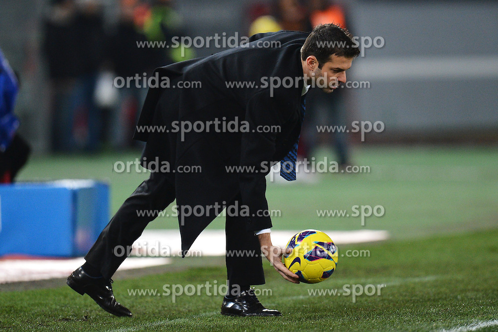 23.01.2013, Olympiastadion, Rom, ITA, TIM Cup, Lazio Rom vs Inter Mailand, Halbfinale, im Bild Andrea Stramaccioni allenatore dell'Inter coach // during the TIM Cup Semi Final 2nd Leg match between between SS Lazio and Inter Milan at the Olympic Stadium, Rome, Italy on 2013/01/23. EXPA Pictures © 2013, PhotoCredit: EXPA/ Insidefoto/ Andrea Staccioli..***** ATTENTION - for AUT, SLO, CRO, SRB, BIH and SWE only *****