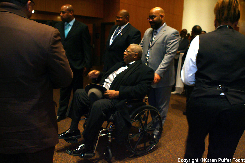 Blues artist B.B. King arrived at the Blues Awards in Memphis, Tennessee in his wheelchair.