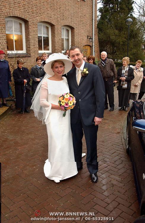 Huwelijk bruidspaar Wellink oude gemeentehuis Huizen