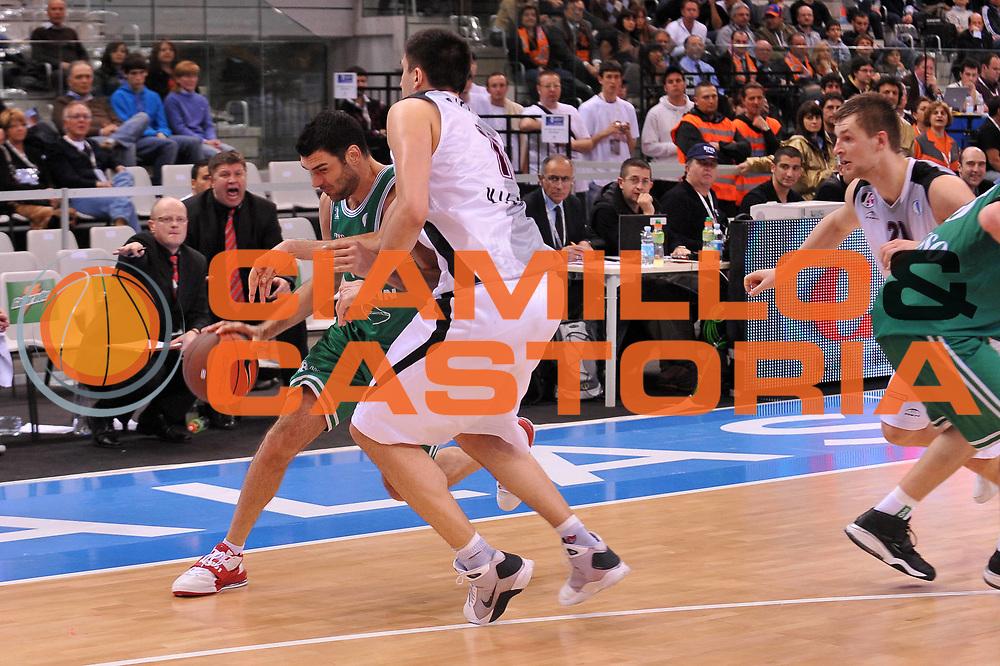 DESCRIZIONE : Torino Eurocup 2009 Quarti di Finale Benetton Treviso Lietuvos Rytas<br /> GIOCATORE : Matteo Soragna<br /> SQUADRA : Benetton Treviso<br /> EVENTO : Eurocup 2009<br /> GARA : Benetton Treviso Lietuvos Rytas<br /> DATA : 02/04/2009<br /> CATEGORIA : palleggio fallo<br /> SPORT : Pallacanestro<br /> AUTORE : Agenzia Ciamillo-Castoria/A.Dealberto
