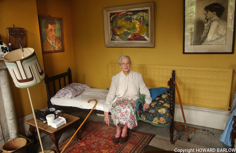 LABOUR ACTIVIST MARGARET SIMEY aged 97 at home in Toxteth, LIVERPOOL 2003.  She died the following year.