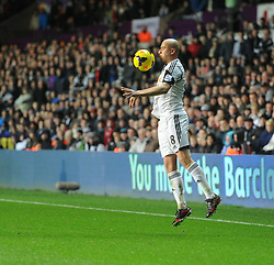 Swansea City's Jonjo Shelvey controls the ball. - Photo mandatory by-line: Alex James/JMP - Tel: Mobile: 07966 386802 28/01/2014 - SPORT - FOOTBALL - Liberty Stadium - Swansea - Swansea City v Fulham - Barclays Premier League