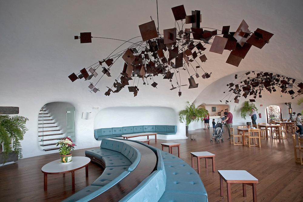 Interior del mirador del río. Espacio creado por el artista y arquitecto Cesar Manrique.  El mirador del río permite ver en su totalidad la isla de La graciosa al norte de lanzarote. Isla de Lanzarote.