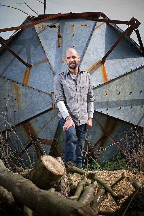 Neil Strauss, the US Author of 'Emergency: This book will save your life' poses for a photograph on a farm in Surrey, UK. 6th April 2009