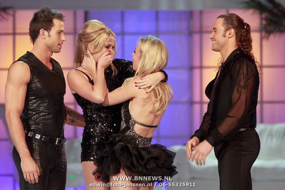 NLD/Hilversum/20110318 - Sterren Dansen op het IJs show 8, Emotie bij Monique Smit en Vivian Reijs en hun partners