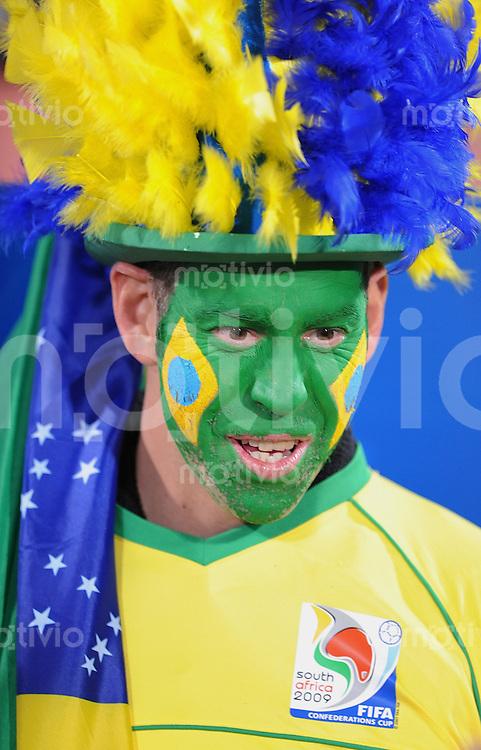 Fussball  International FIFA Confederations Cup 2009  21.06.2009 Italien - Brailien BRA Fan mit bemaltem Gesicht