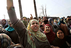 JAN 8 2013 Protest against unscheduled power cuts in Kashmir