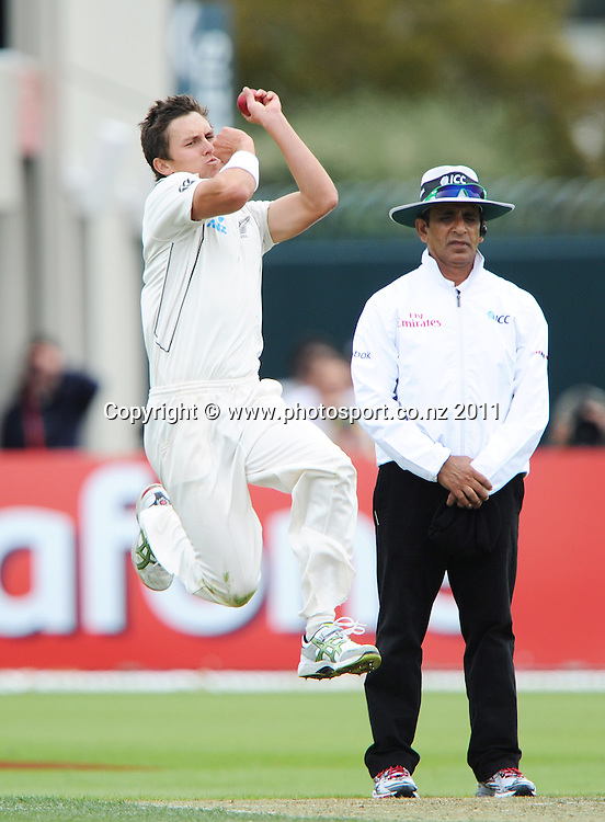New Zealand fast bowler Trent Boult on debut during Day 2 of the second cricket test between Australia and New Zealand Black Caps at Bellerive Oval in Hobart, Saturday 10 December 2011. Photo: Andrew Cornaga/Photosport.co.nz