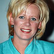 Winterpresentatie 2001 AVRO, Carla Honing