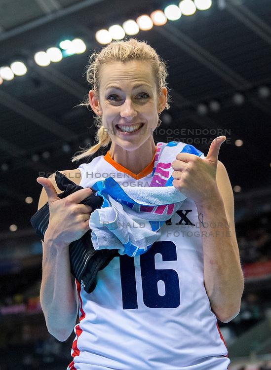 20-05-2016 JAP: OKT Italie - Nederland, Tokio<br /> De Nederlandse volleybalsters hebben een klinkende 3-0 overwinning geboekt op Italië, dat bij het OKT in Japan nog ongeslagen was. Het met veel zelfvertrouwen spelende Oranje zegevierde met 25-21, 25-21 en 25-14 / Debby Stam-Pilon #16