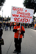 Roma 11 Marzo 2006.Strett Parade nazionale, organizzata dal movimento antiproibizionista, per chiedere l'abrogazione della legge Fini-Giovanardi, sulle droghe..Rome March 11, 2006.National Strett Parade,organized by the prohibitionist movement,to demand the repeal of the law Fini-Giovanardi, on the drugs..The banner reads: Right or wrong, can not be a crime!.