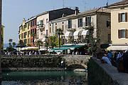 Altstadt, Sirmione, Gardasee, Lombardei, Italien   old town, Sirmione, Lake Garda, Lombardy, Italy
