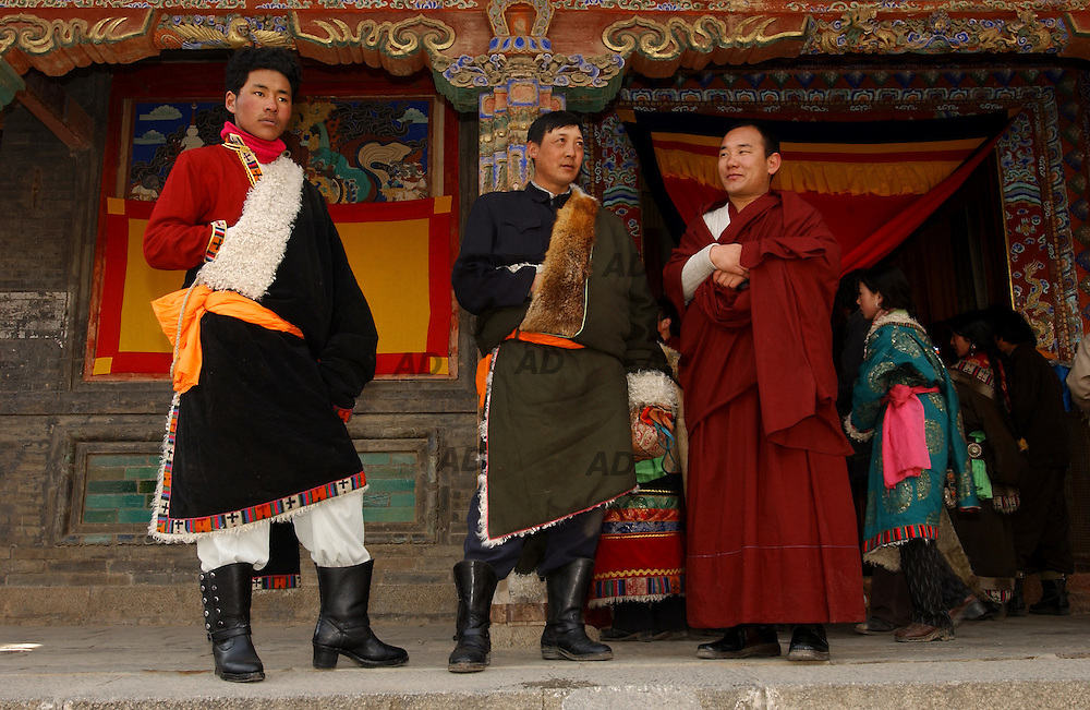 Tibetan spectators.