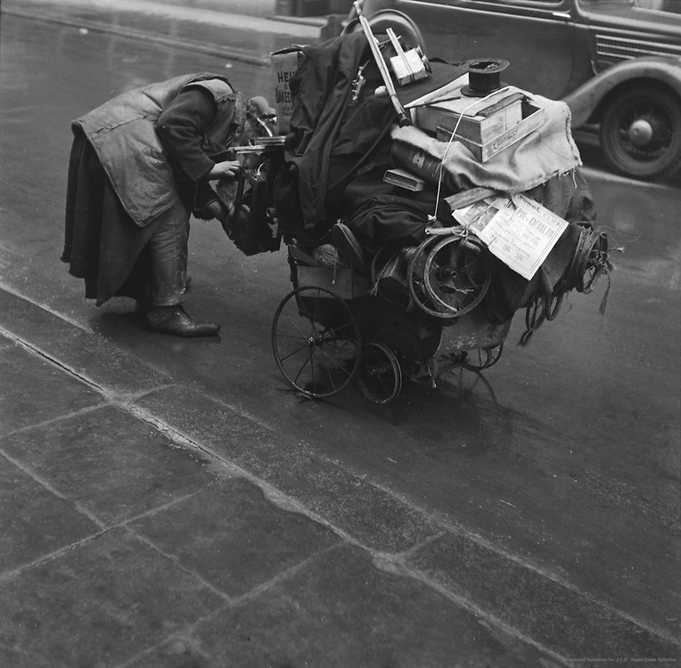 Rag and Bone Man, London, 1936