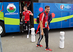 DINARD, FRANCE - Tuesday, July 5, 2016: Wales' Hal Robson-Kanu and Chris Gunter depart from Aeroport De Dinard Pleurtuit Saint-Malo as they head to Lyon for their Semi-Final game against Portugal during the UEFA Euro 2016 Championship. (Pic by David Rawcliffe/Propaganda)