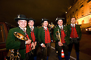 "Wien/Oesterreich, AUT, 28.01.2008: Musiker in Jaegertracht warten vor der Wiener Hofburg auf den Anfang des jaehrlichen Jaegerballs.<br /> <br /> Vienna/Austria, AUT, 28.01.2008: Musicians preparing outside for the Hunters Ball (Jaegerball) in front of the ""Hofburg"" in Vienna. ""Viennese Waltz""."