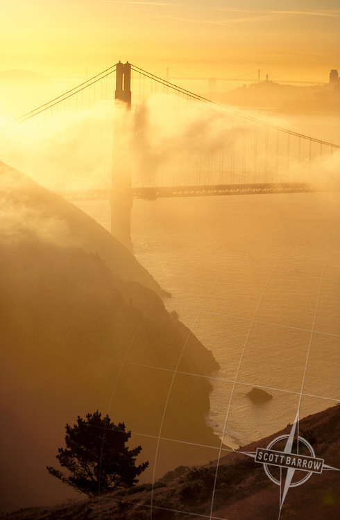 Golden Gate Bridge with San Francisco.