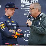 NLD/Zandvoort/20190518 - Jumbo Racedagen 2019, Max Verstappen  word geinterviewd door Olav Mol