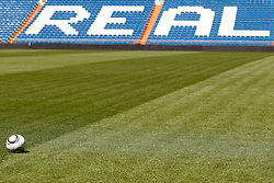 16.07.2010, Estadio Santiago Bernabeu, Madrid, ESP, Real Madrid, Fototermin Pedro Leon, im Bild Feature Adidas Real Madrid Fussball im Hintergrund die Tribühne mit dem Schriftzug Real, EXPA Pictures © 2010, PhotoCredit: EXPA/ Alterphotos/ Alvaro Hernandez / SPORTIDA PHOTO AGENCY