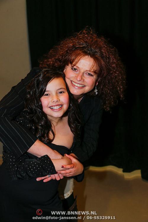 NLD/Amsterdam/20130214 - Premiere musical Peter Pan, Bettina Berger en dochter Zahra