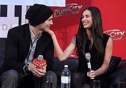 October 29, 2010 - Pasching, Linz, Oberösterreich, Upper Austria, –sterreich, Austria - Demi Moore and Ashton Kutcher in an interview in the shopping centre PlusCity in Pasching near Linz, Upper Austria on 29 October 2010. The two actors are in Linz on the occasion of a charity gala to collect donations for their ''Demi and Ashton.FoundationW, which fights against sexual abuse and slavery. (Credit Image: © Rubra/APA Picturedesk via ZUMA Press)
