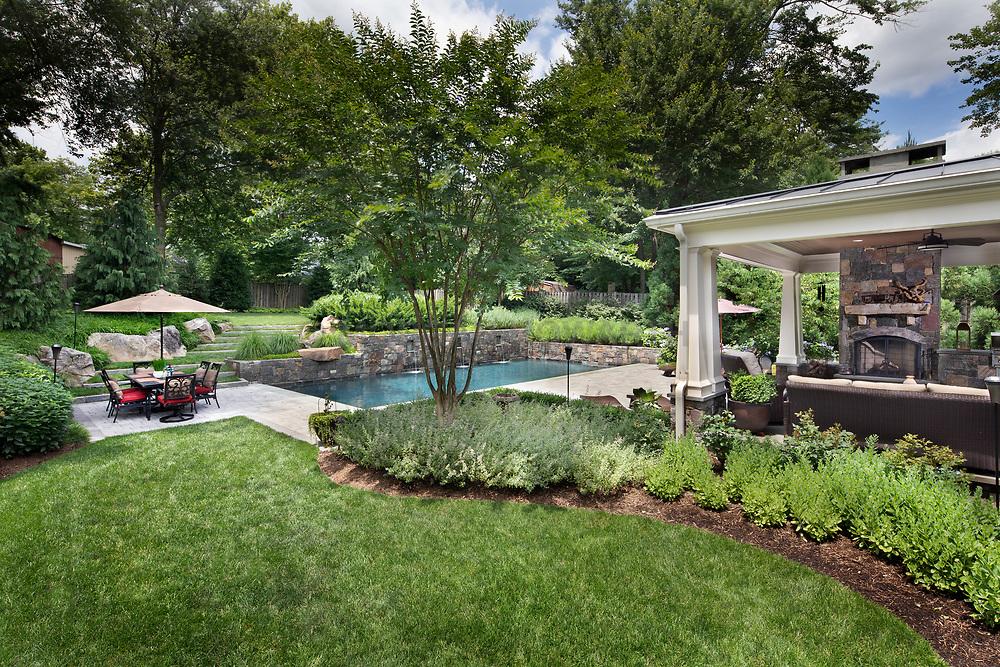 611 Meadow Lane Landscaping Rear yard VA 2-174-311