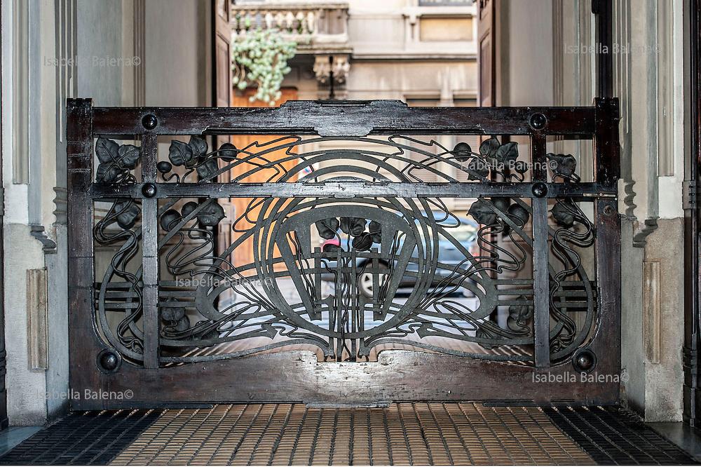 Milano, Lombardia, Italia. Stile liberty. Liberty style. Casa Galimberti via Malpighi 3-via Sirtori.