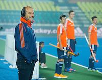 LUCKNOW (India) -  bondscoach Eric Verboom (NED)    tijdens  de oefenwedstrijd tegen Korea voor de Junior  World Cup hockey men . COPYRIGHT KOEN SUYK