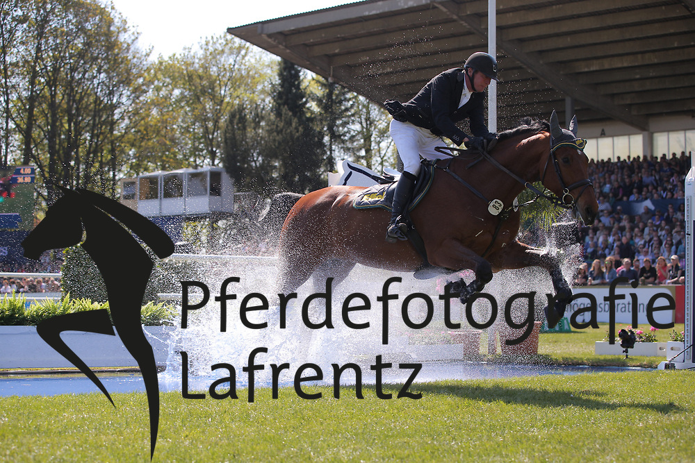 Hamburg - Hamburger Derby 2016<br /> Vo&szlig;, Thomas (GER) Chando<br /> &copy; Stefan Lafrentz