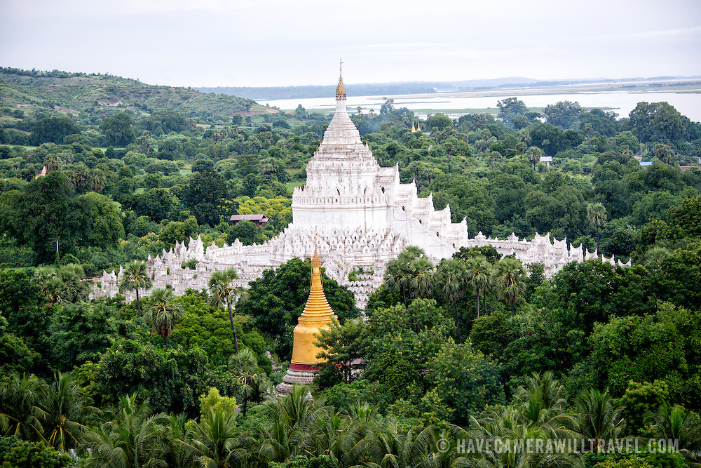 Built in 1816 and located in Mingun, not far from Mandalay, Hsinbyume Pagoda is designed in inspiration from Buddhist mythological mountain, Mount Meru. It features 7 levels of distinctive and unique whitewashed waves.