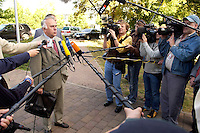 23 AUG 2004, BRANDENBBURG/HAVEL/GERMANY:<br /> Wolfgang Boehmer, CDU, Ministerpraesident Sachsen-Anhalt, gibt Journalisten ein Statement, vor Beginn der CDU Praesidiumssitzung, Technologie- und Gruenderzentrum Brandenburg an der Havel<br /> IMAGE: 20040823-01-024<br /> KEYWORDS: Präsidiumssitzung, Fotografen, Kameraleute, Kamera, Camera, Fotograf, Journalist, Journalisten, Mikrofon, microphone, Wolfgang Böhmer