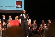 Mannheim. 19.09.17 | SPD-Kanzlerkandidat Martin Schulz im Capitol Mannheim.<br /> Im Wahlkampf zur Bundestagswahl unterstützt Kanzlerkandidat Martin Schulz Mannheims SPD Bundestagsabgeordneter Stefan Rebmann.<br /> <br /> <br /> BILD- ID 2370 |<br /> Bild: Markus Prosswitz 19SEP17 / masterpress (Bild ist honorarpflichtig - No Model Release!)