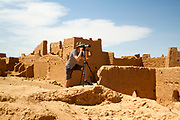Touas village in Morocco, located just a few kilometres away from the Moroccan/Algerian border in the Erg Chebbi region of the Moroccan Sahara desert, near Merzouga, Southern Morocco, 2014-04-04. <br />