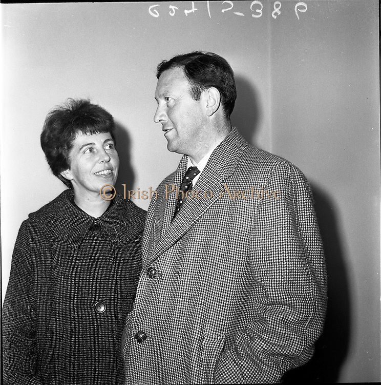 21/01/1962.01/21/1962.21 January 1962.Mr and Mrs Connor Cruise O'Brien return from honeymoon. Dr. Conor Cruise O'Brien and his bride, formerly Miss Marie McEntee, daughter of An Tanaiste, Mr. Sean MacEntee arrived by Boeing Jet at Dublin Airport from New York.