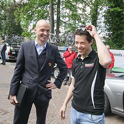 WIELRENNEN Rijssen, de 62e ronde van Overijssel werd op zaterdag 3 mei verreden. Koersdirecteur Rik Reinerink en Baby Dump manager Piet Rooijakkers