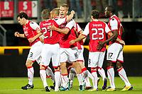 ALKMAAR - AZ - Aalesunds, voetbal,  seizoen 2011-2012, 25-08-2011, Europa League, AFAS Stadion, AZ speler Pontus Wernbloom (3vl) wordt gefeliciteerd door AZ speler Brett Holman (2vl) na zijn doelpunt, 1-0, AZ speler Jozy Altidore (r).