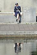 Setbezoek van 'Mega Mindy en de Snoepbaron' in Radio Kootwijk, een voormalig zenderpark dat in de 20ste eeuw een belangrijke communicatieverbinding vormde tussen Nederland en zijn toenmalige koloni&euml;n, met name Nederlands-Indi&euml;.<br /> <br /> Op de foto:  Free Souffriau ( Mieke Fonkel / Mega Mindy )