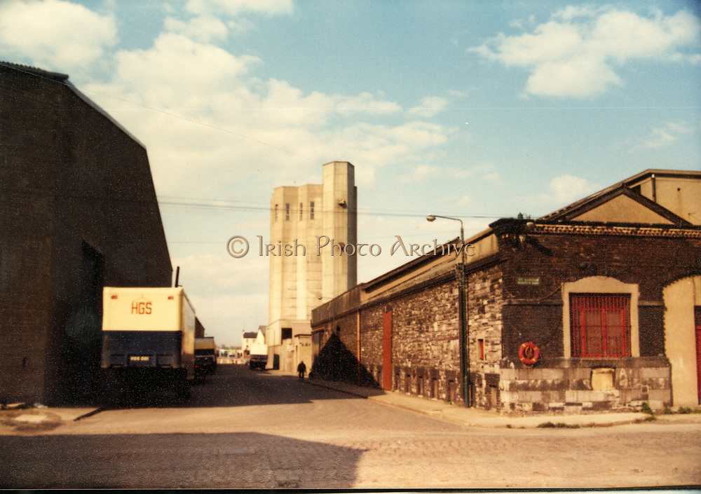 Old Dublin Amature Photos April 1983 WITH, Canal Locke's, Ringsend, Cottage, Hailing Station, Misery Hill, Lime St, Hanover St, east, Cardiff Lane, Britain Quay, HGS Van, Hanging Garment Services,