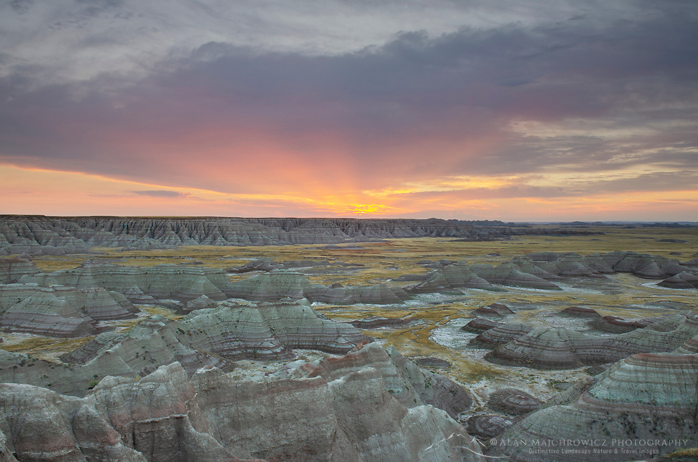 Sunrise at Big Badlands Overlook. Badlands National Park South Dakota
