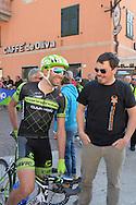 39° Giro del Trentino Melinda, 4° tappa Malè Cles,Moreno Moser e il suo Fan Club, 24 aprile 2015 © foto Daniele Mosna