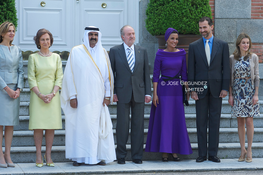 Spanish King Juan Carlos, Queen Sofia, Prince Felipe, Princess Letizia and Princess Cristina receive the Emir of the State of Qatar Sheikh Hamad bin Khalifa Al-Thani and his wife Sheikha Moza bint Nasser for lunch at Zarzuela Palace in Madrid