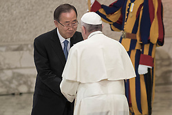 October 5, 2016 - Vatican City, Vatican - Pope Francis greets U.N. Secretary General Ban Ki-moon during the International conference ''Sport at the Service of Humanity'', the first global conference on faith and sport promoted by the Vatican Pontifical Council for Culture, in the Paul VI hall in Vatican City, Vatican on October 05, 2016. (Credit Image: © Giuseppe Ciccia/Pacific Press via ZUMA Wire)