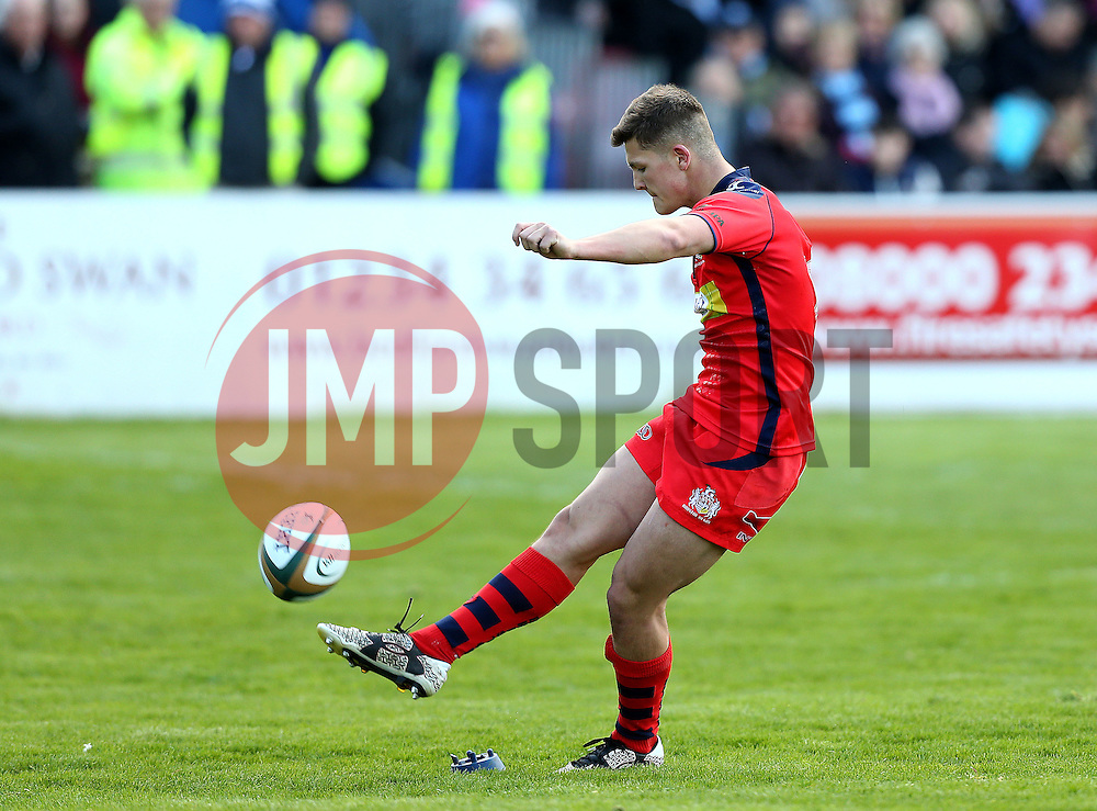 Callum Sheedy fly half for Bristol Rugby kicks a conversion - Mandatory by-line: Robbie Stephenson/JMP - 23/04/2016 - RUGBY - Goldrington Road - Bedford, England - Bedford Blues v Bristol Rugby - Greene King IPA Championship
