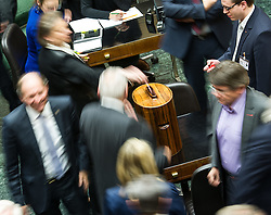 21.01.2015, Parlament, Wien, AUT, Parlament, 59. Nationalratssitzung, Sitzung des Nationalrates unter anderem mit den Thema: Fortpflanzungsmedizinrechts-Änderungsgesetz 2015. im Bild Feature Stimmabgabe // feature ballot during the 59th meeting of the National Council of austria at austrian parliament in Vienna, Austria on 2015/01/21, EXPA Pictures © 2015, PhotoCredit: EXPA/ Michael Gruber