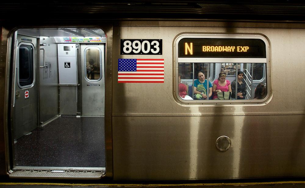 UNITED STATES-NEW YORK-Subway, train  PHOTO: GERRIT DE HEUS.VERENIGDE STATEN-NEW YORK. Metro. PHOTO COPYRIGHT GERRIT DE HEUS