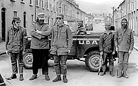 UDA, Ulster Defence Association, a loyalist paramilitary organization, activity in the Oldpark district of North Belfast, N Ireland, 3rd July 1972, 197207030389<br />