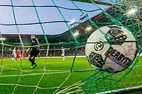 GRONINGEN, 17-05-2017, FC Groningen - AZ,  Noordlease Stadion, doelpunt, AZ speler Alireza Jahanbakhsh, FC Groningen keeper Sergio Padt