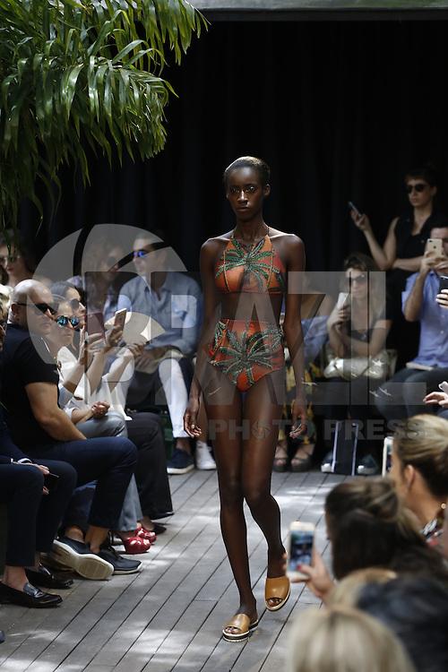 SÃO PAULO,SP, 26.10.2016 - SPFW-AGUA COCO - Modelo durante desfile da Agua de Coco durante a São Paulo Fashion Week N42 no Jardim America, na região oeste de São Paulo nesta quarta-feira, 26. (Foto: Adriana Spaca/Brazil Photo Press)