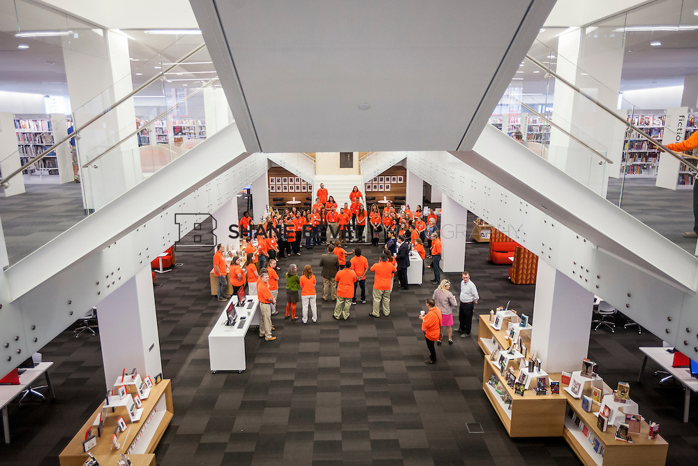 10/1/16 9:21:03 AM -- Tulsa City-County Library opens the new Central Library in downtown Tulsa, Okla. <br /> <br /> Photo by Shane Bevel